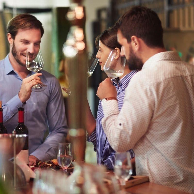 Degusta i nostri vini comodamente a casa tua grazie al nostro kit degustazione